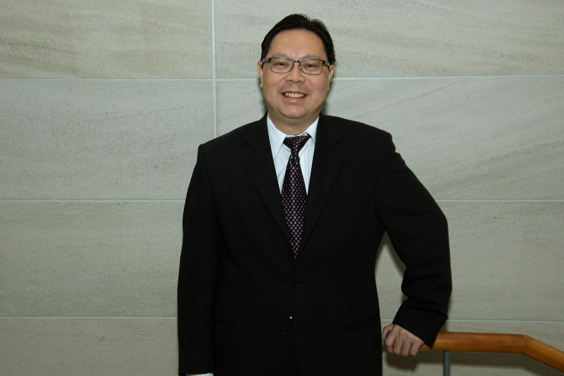 dr-wey-leong